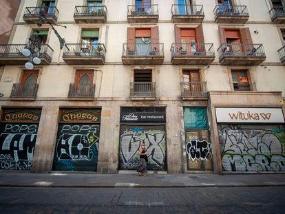 Locales cerrados en el carrer Ferran, Ciutad Vella (Barcelona).