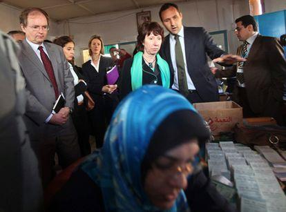 Ashton visita unas instalaciones de la ONU en Gaza durante su viaje de unas horas a la Franja palestina