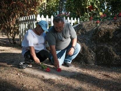 Amigos del poeta Ernesto Cardenal despiden sus restos este viernes en Solentiname.
