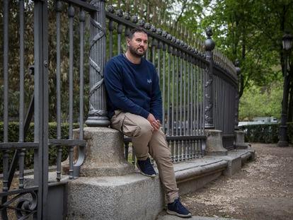 Rubén Ranz, sindicalista, en la plaza de La Lealtad, Madrid, donde fue detenido en un piquete.