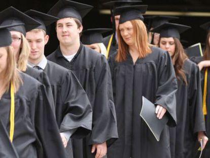 La mayoría de estudiantes universitarios en EE UU están endeudados al graduarse.