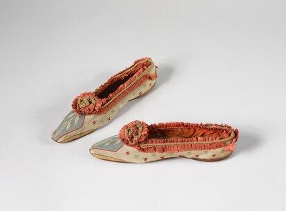 Zapatos de la exposición de la Fundación de Napoleón Bonaparte.