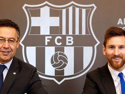 Bartomeu y Messi, tras la renovación del contrato del argentino en 2017.