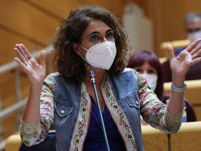La ministra de Hacienda, María Jesús Montero, en el Senado el martes.