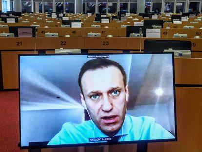 Alexéi Navalni, durante su participación por videoconferencia en la sesión de la comisión de Asuntos Exteriores del Parlamento Europeo, este viernes en Bruselas.