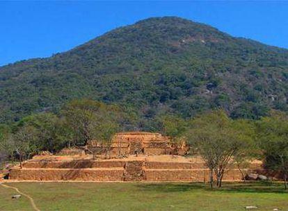 Palacio de la zona arqueológica de Tehualco (México)