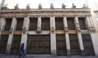 Fachada del edificio Fernando VI, 3, en Chueca, donde se ubicaba el pub Santa Bárbara.