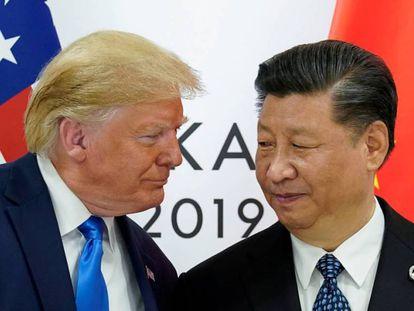 Los presidentes de EE UU, Donald Trump, y China, Xi Jinping, en la cumbre del G20 del pasado junio en Osaka (Japón).