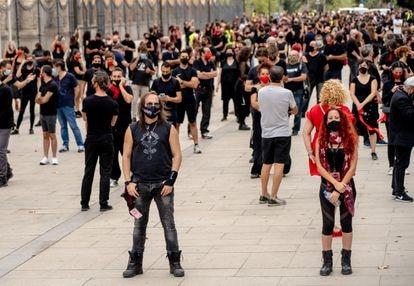 Participantes en la movilización de Alerta Roja en Sevilla.