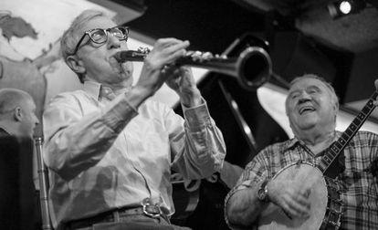 Allen en una actuación con New Orleans Jazz Band.
