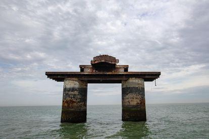 I forti navali di Maunsell furono costruiti nell'estuario del Tamigi per scoraggiare e segnalare i raid aerei tedeschi.