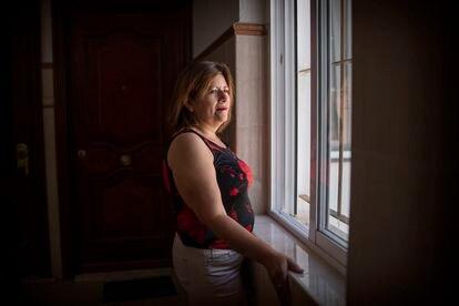 Fátima Vivas el 30 de junio en su casa de Huelva, donde vive exiliada.