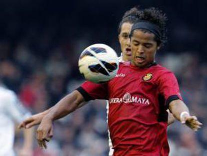 El delantero mexicano del Real Mallorca Giovani Dos Santos. EFE/archivo