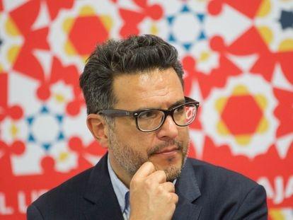 Julio Trujillo en la presentación de Mapa de las Lenguas, el 28 de Noviembre del 2016. en la FIL, Guadalajara.