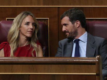 Cayetana Alvárez de Toledo y Pablo Casado, este jueves en el Congreso durante el pleno extraordinario. En vídeo, la portavoz del Partido Popular.