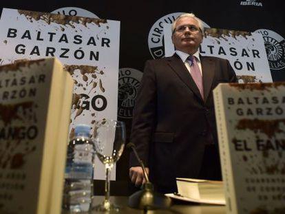 El exjuez de la Audiencia Nacional Baltasar Garzón presenta su nuevo libro, El Fango, un repaso a 40 años de corrupción en España