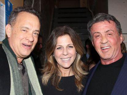 Tom Hanks, su mujer, Rita Wilson y Sylvester Stallone en la presentación del musical 'Rocky'.