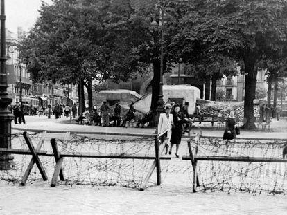 La plaza de Pey-Berland en Burdeos durante la ocupación alemana en 1942.