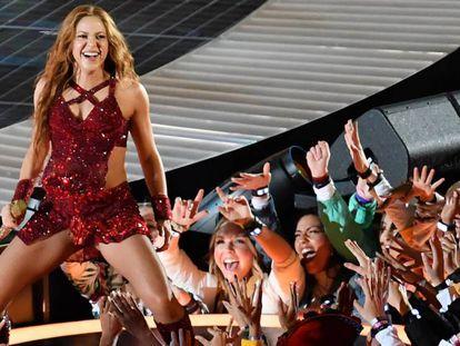 Shakira, este domingo, en un momento de su concierto en la Super Bowl.