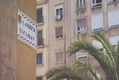Rótulo de la calle Tucumán en Alicante.