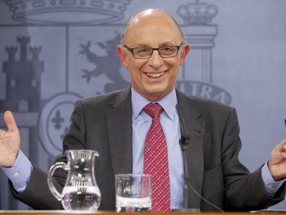 El ministro de Hacienda, Cristóbal Montoro, en una rueda de prensa posterior al Consejo de Ministros