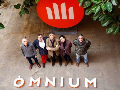 Los premiados de la Nit de Santa Llúcía, de izquierda a derecha, Lluís Calvo, Toni Mota, David Nel.lo, Carlota Gurt y Lluís Prats.
