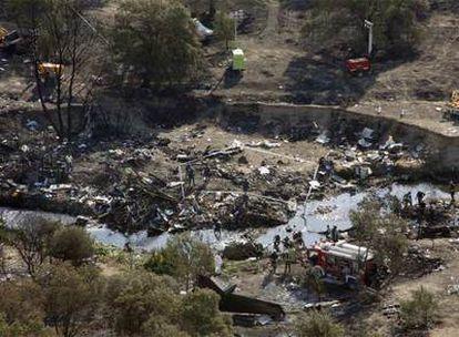El lugar donde se estrelló el avión de Spanair, momentos después del trágico accidente.