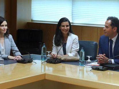 En vídeo, Díaz Ayuso, Monasterio y Aguado, en su primera reunión oficial.