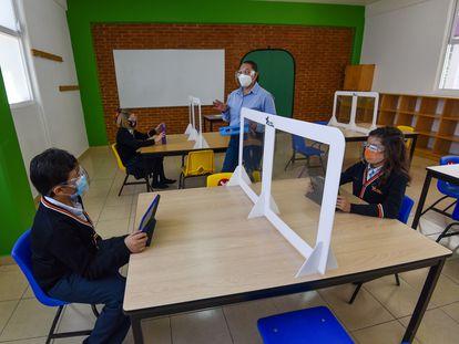 Un grupo de alumnos en un colegio privado del Estado de México.