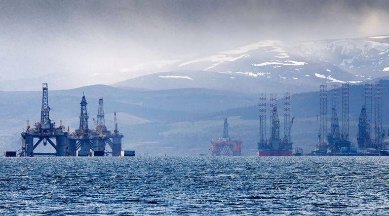 Una plataforma de aguas someras en Cromarty Firth (Escocia), este lunes.