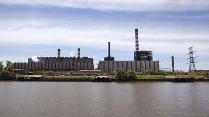 Central termoeléctrica en Buenos Aires.