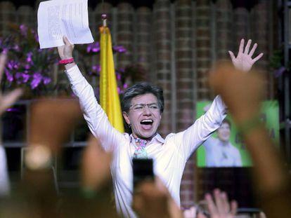 Claudia López celebrando su victoria en las elecciones locales el pasado 27 de octubre.