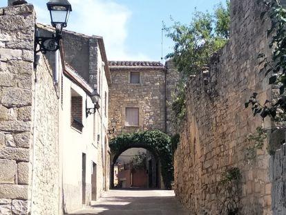 Una de las calles de El Belltall (Tarragona).