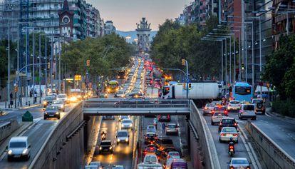 Atasco en la Gran Via de Barcelona.