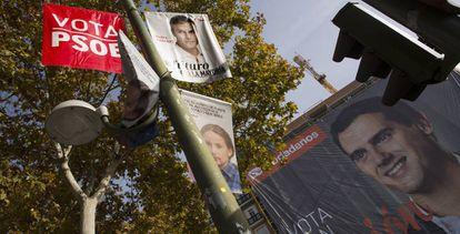Carteles electorales de la última campaña.