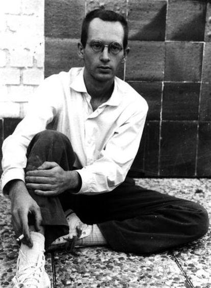 Retrato del poeta Pedro Casariego Córdoba.