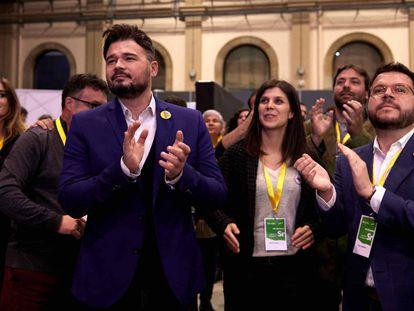 Desde la izquierda, Gabriel Rufián, Marta Vilalta y Pere Aragonès, tras conocer el resultado electoral.
