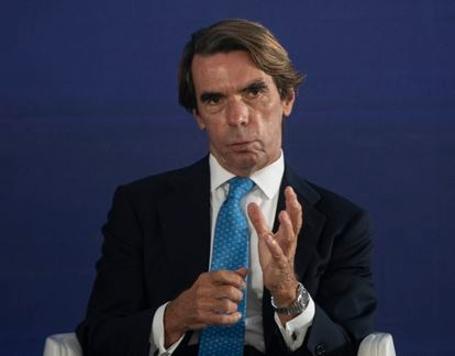 El ex presidente del Gobierno, José María Aznar, durante un discurso en la Convención Nacional del PP en Sevilla este jueves.