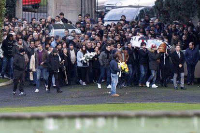 Entierro del aficionado ultra fallecido Jimmy en el cementerio de Feans (A Coruña) el 2 de diciembre de 2014.