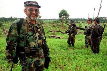 Raúl Reyes, jefe de las FARC ya fallecido, durante el fallido proceso de paz en Colombia.