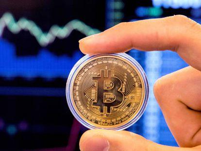 Representación de la criptomoneda bitcoin.