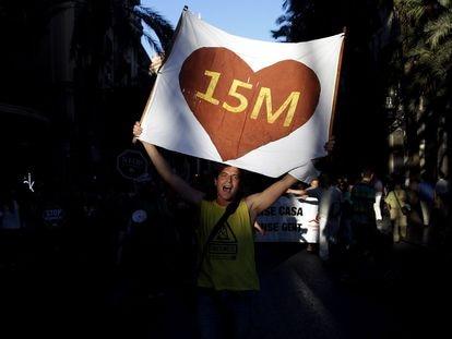 Manifestación en Valencia, en 2015, para conmemorar los cuatro años del 15-M.