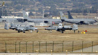 Cazas estadounidenses en la base turca de Incirlik a finales de 2015.