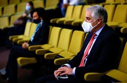 Il banchiere italiano Andrea Orcel e il presidente di Santander, Ana Botín, nell'auditorium dei tribunali di Plaza de Castilla a Madrid.