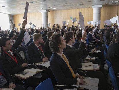 Participantes del Harvard WorldMUN 2019 en Madrid, el pasado martes. En vídeo, declaraciones de Manuela Carmena y Pedro Duque durante la presentación del encuentro.