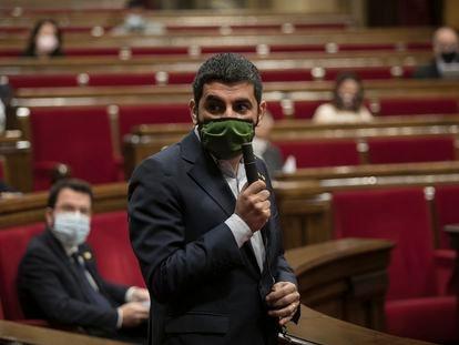 El consejero de Trabajo, Asuntos Sociales y Familia, Chakir El Homrani, en el Parlament.