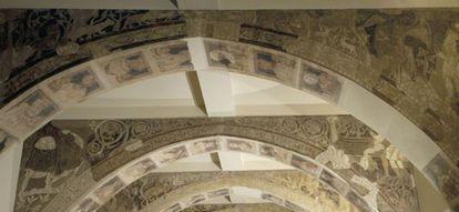 Pinturas de la sala capitular que se exhiben en el Museo Nacional de Arte de Catalunya.