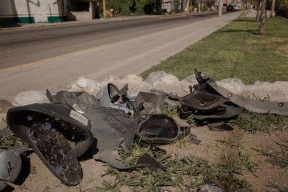 Restos del coche de Beatriz Hernández en el lugar en el que tuvo el accidente en Progreso de Obregón.