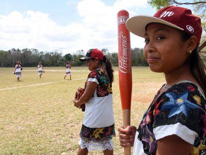 Las Diablitas de Hondzonot, un equipo de mujeres de sóftbol en la Riviera Maya