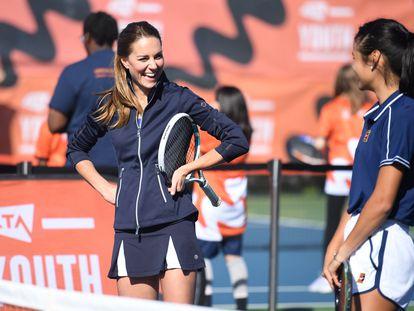 Kate Middleton y Emma Raducanu en un partido de tenis en Londres el 24 de septiembre de 2021.